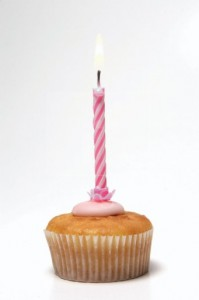 Cup-cake-pink-candle-1